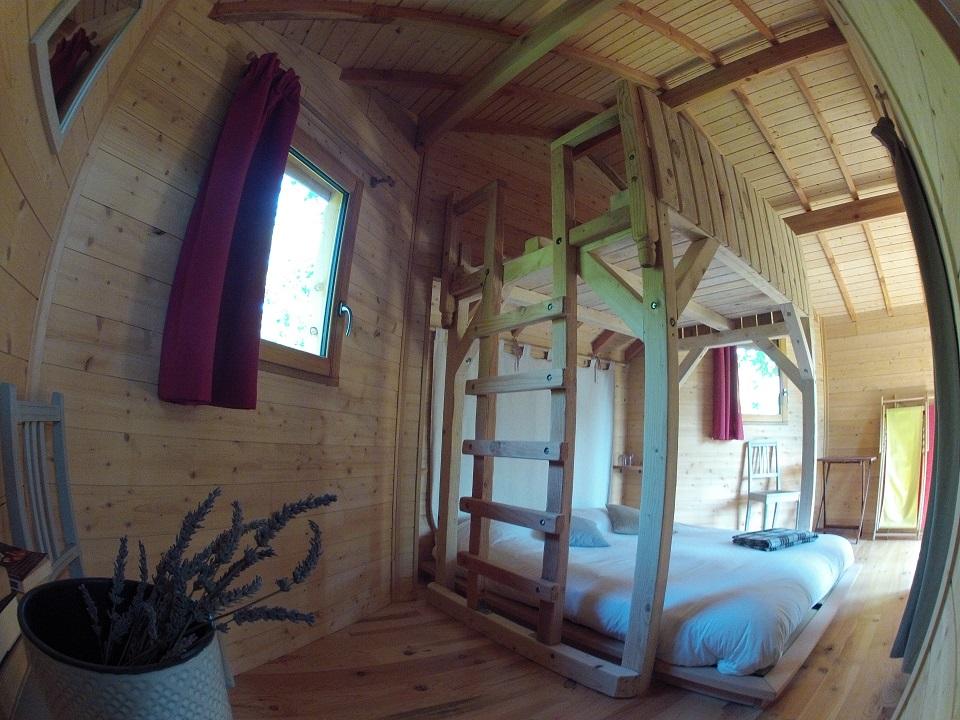 Intérieure cabane du funambule 4 places
